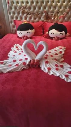 Diy Crafts Hacks, Diy Crafts For Gifts, Diy Home Crafts, Paper Crafts, Romantic Room Decoration, Romantic Bedroom Decor, Diy Room Decor, Towel Animals, How To Fold Towels