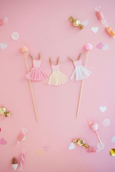 DIY Ballerina Tutu Cake Topper | Oh Happy Day!
