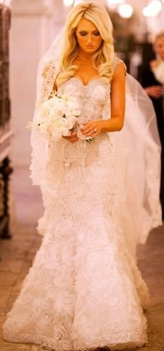 pretty close to my dream wedding day look...except the dress would be all lace no flowers