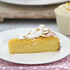 Perfectly moist and delicious, this Thermomix Gluten-Free Flourless Orange and Almond Cake ticks all the right boxes (and so many more! Serve with orange and vanilla bean infused double cream for an indulgent treat. Easy Gluten Free Desserts, Gluten Free Cakes, Gluten Free Baking, Delicious Desserts, Healthy Baking, Gluten Free Christmas Recipes, Thermomix Desserts, Diet Desserts, Yummy Food