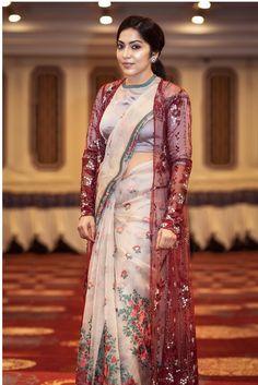 20 Fabulous Saree Looks Of The Stunning Ramya Subramanian! Saree Styles, Blouse Styles, Saree Jackets, Satin Saree, Saree Trends, Fancy Blouse Designs, Stylish Sarees, Indian Bridal Wear, Saree Look