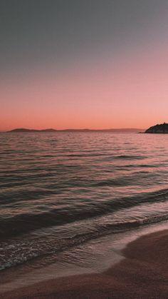 Wallpaper Sky, Strand Wallpaper, Beach Sunset Wallpaper, Iphone Background Wallpaper, Nature Wallpaper, Wallpaper Keren, Amazing Wallpaper, Sunset Beach, Mobile Wallpaper