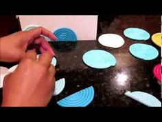 ▶ How to use your Spiral Circle Silicone Molds to create modern wave patterns on cake - YouTube