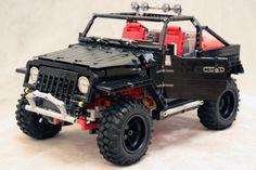 Fully Functioning Jeep Wrangler Made of Legos Jeep Wranger, Jeep Cars, Amg Logo, Jeep Vehicles, Lego Auto, Lego Baby, Lego Construction, Lego Worlds, Lego Stuff