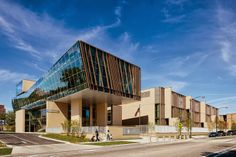 The Earl Shapiro Hall at the #UniversityofChicago Laboratory Schools is quite possibly the most progressive early-childhood #education facility in the country.  Designed by the city's own Joe Valerio of Valerio Dewalt Train Associates in partnership with FGM Architects, the building was constructed on a generous budget of $52 million to give children every possible #academic and technological advantage.