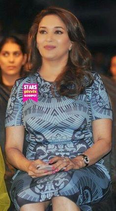مادھوری ڈکشٹ ۔  Madhuri dixit Bollywood Cinema, Indian Bollywood Actress, Bollywood Actress Hot Photos, Beautiful Bollywood Actress, Beautiful Indian Actress, Indian Actresses, Madhuri Dixit Hot, Indian Actress Images, South Actress