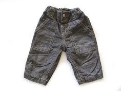 Ref. 400120- Pantalón largo - Zara- unisex - Talla 9 meses - 6€ - info@miihi.com - Tel. 651121480
