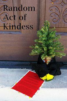 Brassy Apple: Trouble Tree - DIY gift idea w/ printable #craftersRAK - random acts of kindness