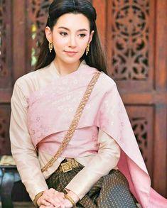 #บุพเพสันนิวาส  #เเม่การะเกด Traditional Thai Clothing, Traditional Fashion, Traditional Dresses, Asian Fashion, Unique Fashion, Thailand Costume, Thai Wedding Dress, Thai Dress, Thai Style