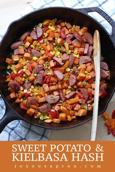 Sweet Potato and Kielbasa Hash - An easy low carb healthy one-pot meal cooked in a cast iron is the perfect breakfast lunch or dinners on busy weeknights! A fun Fall food - perfect for meal prep and as leftovers. Sweet Potato Hash, Sweet Potato Recipes, Kielbasa Hash, Healthy One Pot Meals, One Skillet Meals, Perfect Breakfast, Breakfast Ideas, Diet Breakfast, Breakfast Recipes