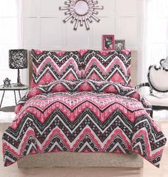 Kylee Chevron Bedding - Teen and Dorm Bedding!  Black White and Pink Chevron (Zig Zag) Bedding Set