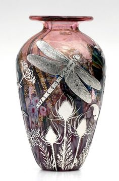Reheat silver cameo Ruby Eden dragonfly glass vase by Jonathan Harris Blown Glass Art, Art Of Glass, Glass Vase, Cut Glass, Art Nouveau, Dragonfly Art, Antique Glass, Perfume Bottles, Jonathan Harris