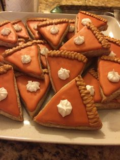 Pumpkin Pie Slices Royal Icing Sugar Cookies by @cookiesbykatewi #thanksgiving #holiday #christmas #fall #pumpkin #spice