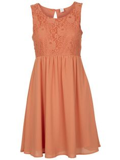 4. What would you wear? I would wear a peach dress to the party #TheHostPremiereParty