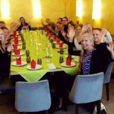 (lähes) Kaikki aPallerot saman pöydän ääressä 😍 #officelife #lunchtime #fridayfun @outimak @mia_catarina @nooramark @apinaemma @andenzen @hetaha @_katjamariia_ @jesseosk @annikasalonen @lauraleht
