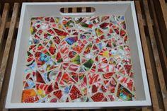 mozaiek op dienblad van servies scherven