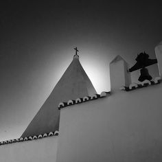 Lagoa #portugal #algarve #blackandwhite #church