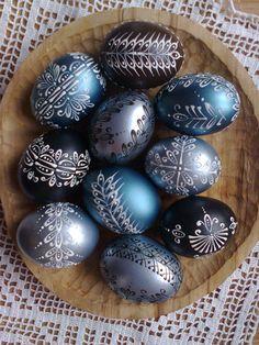 Egg Shell Art, Easter Egg Designs, Ukrainian Easter Eggs, Easter Egg Crafts, Spring Projects, Egg Art, Egg Decorating, Eastern Eggs, Craft