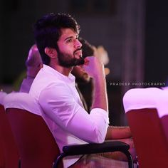 Love Couple Images, Cute Love Couple, My Love, Actor Picture, Actor Photo, Famous Indian Actors, Telugu Hero, Allu Arjun Images, Vijay Actor