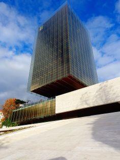 Rafael De La-Hoz + Gerardo Olivares || Edificio Castelar (Madrid, España)