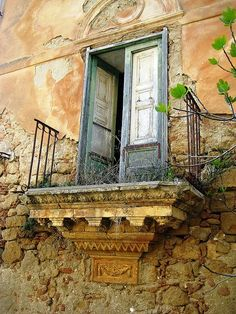 balcony doors in Poggioreale Italy Mode Poster, Sicily Italy, Trapani Sicily, Umbria Italy, Purple Home, Ivy House, Flower Boxes, Doorway, Stairways