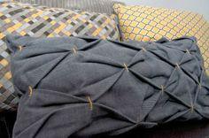 honeycomb pillow tutorial.  Love the texture of this pillow! #decorativepillows