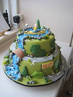 Outdoors Birthday Cake This cake was ordered by one of my mother's colleagues for her boyfriend's birthday. Fondant Cakes, Cupcake Cakes, Cupcakes, Kayak Cake, Waterfall Cake, Camping Cakes, Sport Cakes, Forest Cake, Fancy Desserts