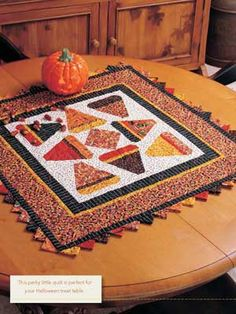 Candy Corn Digital Quilt Pattern from ShopFonsandPorter. Table Runner And Placemats, Quilted Table Runners, Quilting Projects, Quilting Designs, Quilting Ideas, Quilting Tutorials, Sewing Projects, Halloween Quilts, Halloween Sewing
