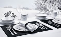 Perfect if you prefer to only see in black and white. #Mikasa #dishes