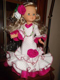 Cosiendo para Nancy, ademas de otras muñecas: Nancy se viste ``pa´´ la feria de Sevilla