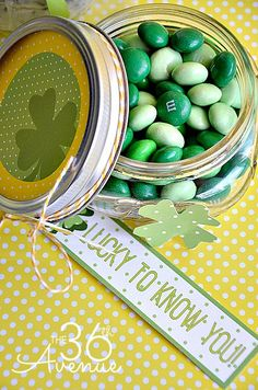 Pinned It, Did It! Gave these as a St. Patricks Day gift to the teachers.  Great Ideas — 21 DIY St. Patrick's Day Projects!