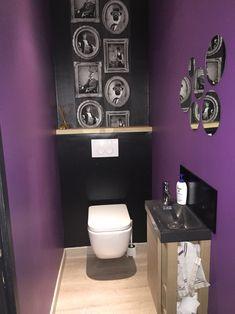 D co toilette id e et tendance pour des wc zen ou pop toilettes salles de bains violettes for Peinture wc original