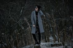 #winter #winterlook #ootd #outfit #look #lookoftheday #body #dress #coat #tights #boots #beanie #sunglasses #earrings #florals #black #grey #details #nature #naturelover #blogger #polishblogger #fashionblogger #beautyblogger