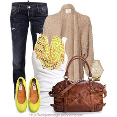 I love this for fall... Sweater, scarf, jeans, and flats... So perfect! I really love this scarf!! And the sweater looks so cozy