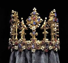 The oldest surviving English crown,1370-80 - think of the history this crown has witnessed!