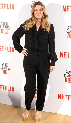 Drew Barrymore in Marni Drew Barrymore 2017, Drew Barrymore Style, Passion For Fashion, Love Fashion, Womens Fashion, Female Fashion, Apple Shaped Celebrities, Best Business Casual Outfits, Apple Dress
