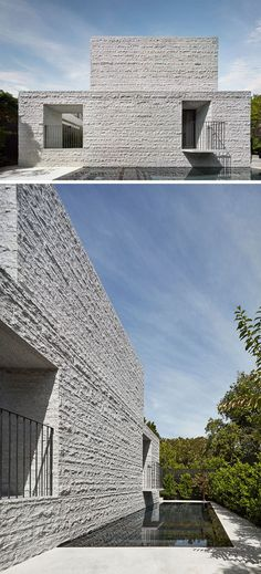 e architecture have recently completed a new modern house in Melbourne, Australia, that features 260 tons of granite which make up the building's skin. Arcade Architecture, Minimalist Architecture, Architecture Details, Architecture Images, Design Minimalista, Interior Minimalista, New Modern House, Facade Design, Design Design