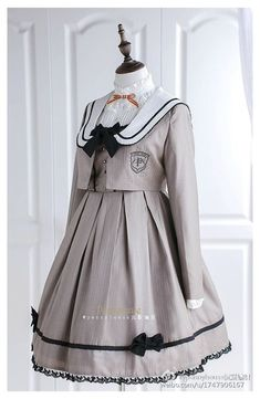 Kawaii Fashion, Lolita Fashion, Cute Fashion, Gothic Fashion, Kawaii Dress, Kawaii Clothes, Old Fashion Dresses, Fashion Outfits, Mode Lolita