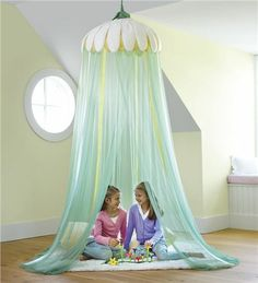 Field of Daisies Hideaway Maybe I could make this for Zoe's bed. Ideas Decoracion Cumpleaños, Kids Hanging Chair, Fairy Room, Daisy Field, Cool Gifts For Kids, Fun Gifts, Sparkling Lights, Canopy Lights, Princess Room