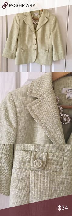 Ann Taylor Green Tweed Blazer Gorgeous Ann Taylor green tweed blazer. So pretty and Classic! Pretty cloth buttons down from, 3/4 Sleeve, fully lined. Excellent condition! Ann Taylor Jackets & Coats Blazers