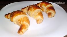 Maslové kysnuté rožky plnené Nutellou (fotorecept) - Recept Hot Dog Buns, Hot Dogs, Nutella, Sausage, Bread, Food, Basket, Sausages, Brot
