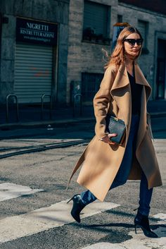 February 23, 2014  Tags Milan, Sunglasses, Jeans, Giorgia Tordini, Boots, Camel, Women, High Heels, Coats, Clutches, Snakeskin, Joseph, 1 Person