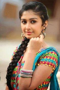 Beautiful Girl Photo, Beautiful Girl Indian, Most Beautiful Indian Actress, Beautiful Saree, Beauty Full Girl, Cute Beauty, Beauty Women, Stylish Girl Images, Beautiful Bollywood Actress