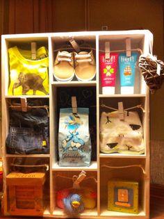 Birth gift, geboorte kado, letterbak van de action. Baby Box, Party Gifts, Gift Baskets, Presentation, Wraps, Presents, Gift Wrapping, Creative, Kids