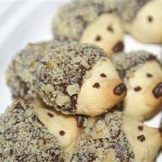 Für die Weihnachtsbäckerei :) Hedgehog Shortbread Cookies with Chocolate + Walnut