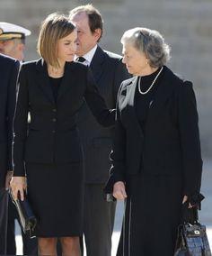 Queen Letizia and King Felipe attend funeral mass for Carlos de Borbon dos Sicilias Oct. 8/15