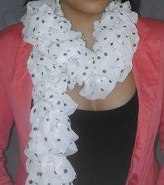 d44ba8e6ce82 17 meilleures images du tableau echarpe fantaisie   Arm knitting ...