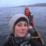 最近カヤックの購入を考えていて、連日インターネットで調べているうちに、こんな動画にたどり着きました。本当は何の前知識もなくご覧になっていただきたい映像なのですが...キャプチャー画像を見るより先に上の動画をクリックしてください。  どこぞの湖だか、海だかわかりませんが、カヌーに乗って水面に浮かぶ二人の女性が、ビデオカメラを片手にその様子を撮影していると、ひとりの女性が、突然「LOOK UP!! [...]