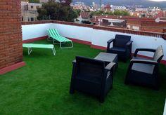 Atico en Barcelona #cespedartificialbarcelona #tarimaexteriorbarcelona #exteriorismo #diseñoexterior #terraza #decoterraza #cespedartificialgirona #tarimaexterior #tarimaexteriorsintetica #tarimasintetica #tarimaipe #jardin #diseñojardin