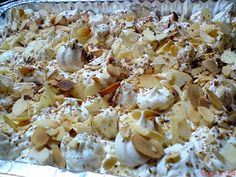 Sweet bread with sirup and cream Sweet Bread, Pasta Salad, Potato Salad, Cauliflower, Sweet Tooth, Cooking Recipes, Vegetables, Ethnic Recipes, Food